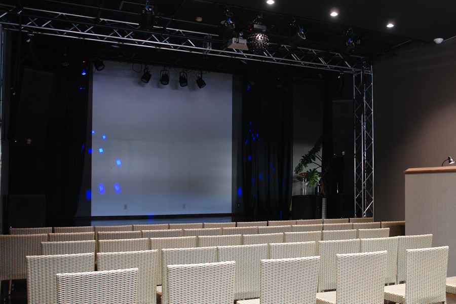 Stage&Hall01